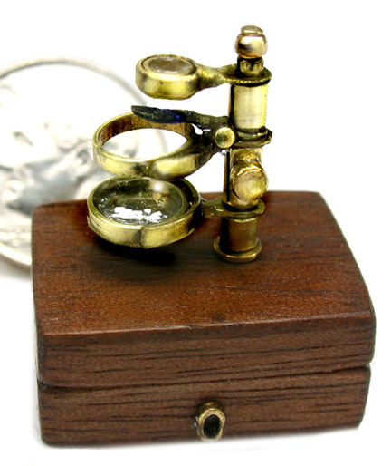 Microscope, Darwin's Portable Microscope - Click Image to Close